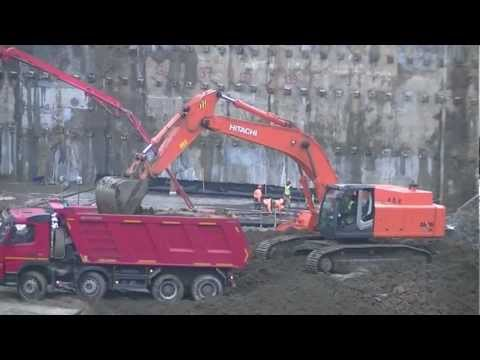 Hitachi Zaxis 450 LC-3 Loading