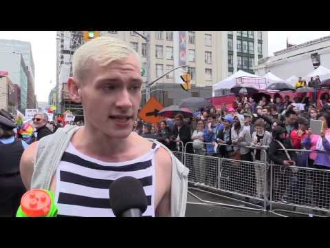 Pride Parade или что думают канадцы и русские о новой программе секс-образования
