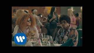 Descargar MP3 Ed Sheeran & Travis Scott - Antisocial [Official Video]