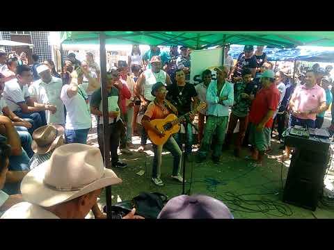Raimundo pirranha no forró da feira em Bodocó Pernambuco