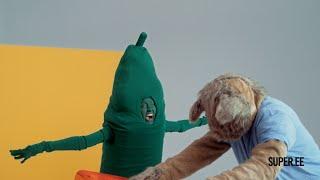 "Super kõnekaart ""Cat Scared of Cucumber"""