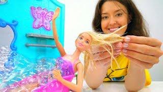 Видео для детей. Веселая Школа. Уборка у Барби.