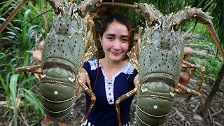 Yummy $15 Giant Rainbow Lobster Tom Yam Cooking - Giant Rainbow Lobster Cooking - Cooking With Sros