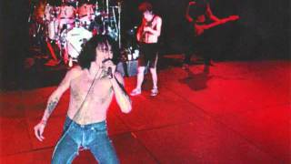 AC/DC ( RARE BON SCOTT RECORDING 1979 )  DANGEROUS BUSINESS