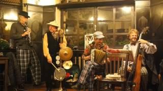 Video Motovidlo Praha: Karavana / Caravan (J. Tizol, D. Ellington/V. V