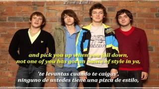 Arctic Monkeys- Stickin' to the Floor (inglés y español)
