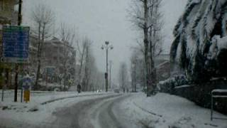 preview picture of video 'Neve a Genzano di Roma(RM) - 12/02/2010 (9° video)'