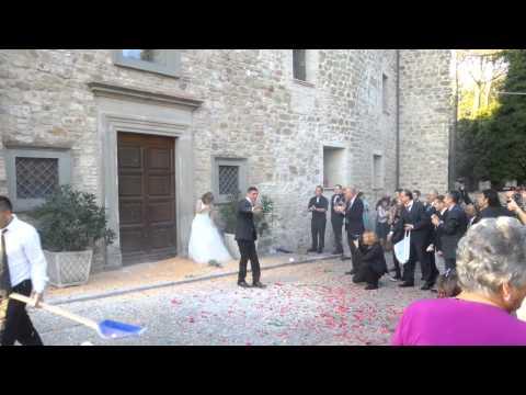 Dimostrazione del vero lancio del riso - Matrimonio Andrea e Angela