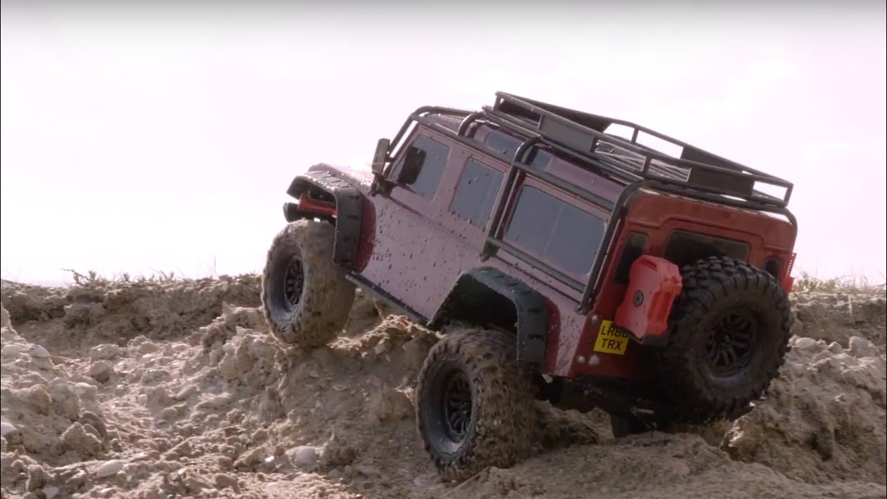 Автомобиль Traxxas TRX-4 Land Rover Defender 1:10 82056-4 (Red) video preview