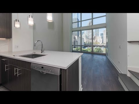 Townhome 404, 2-bedrooms, 2 ½ baths at Streeterville's 465 North Park