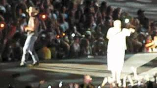 Kenny Chesney and Uncle Kracker singing When The Sun Goes Down