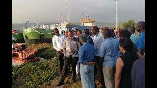 Uhuru makes impromptu visit to Kisumu port - VIDEO