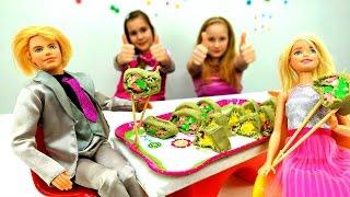 Мультики для Девочек 🎁 Сюрприз для #БАРБИ: ГОТОВИМ СУШИ 🍣 Пластилин #ПЛЕЙДО / Видео для Детей