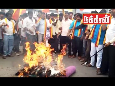 Karnataka-farmers-protest-against-Jayalalitha-Cauvery-Water-Dispute