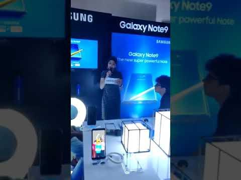 Anchor Riyam Shivhare at Samsung launch