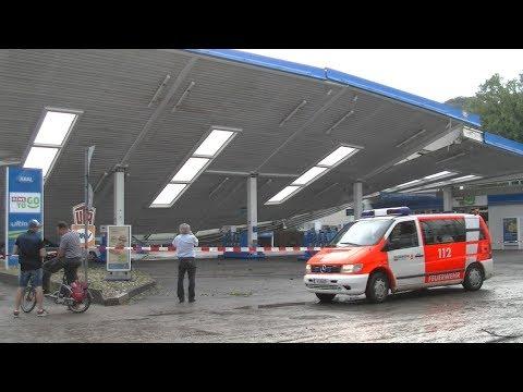 Was wenn zu machen hat das Benzin mit dem Wasser überflutet