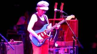 The best FEMALE blues guitarist