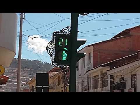 Las Rutas de Begoña. Semáforo de Cuzco en Perú