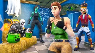 Hiding as HALLOWEEN Decorations in Fortnite Battle Royale