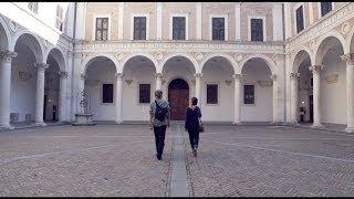 preview picture of video 'Visit Galleria Nazionale delle Marche - PALAZZO DUCALE di Urbino HD 1080p'