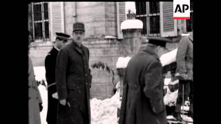 MR CHURCHILL VISITS ARMY - NO SOUND