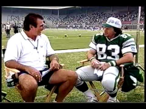 Vince Papale Interviews Mark Wahlberg on the Set of Invincible