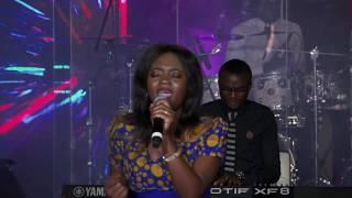 Newie - Ntsikele Mbilu Yo Tambaho (Live)