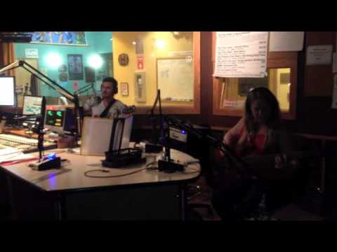 The Groves - 'Cog' (Live on WMNF 88.5 FM's 'In the Groove' Show)