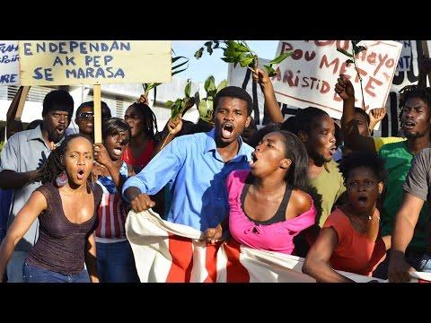 PORT-AU-PRINCE, DIMANCHE 4 JANVIER Bande Annonce (2015)