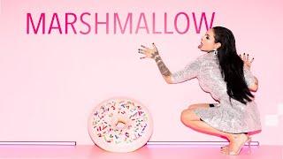 Kadr z teledysku Marshmallow tekst piosenki ZUSJE