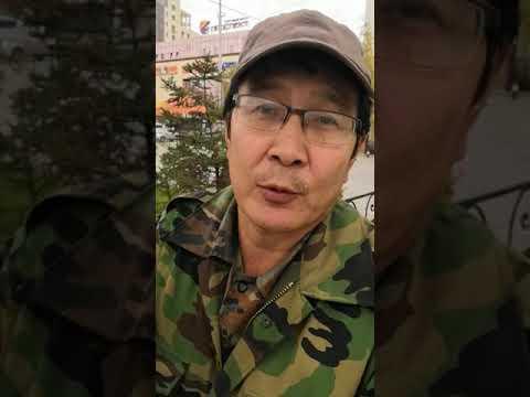 Пикетчик предлагает закидать Якутск цветами (видео)