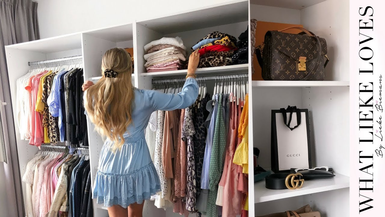 Walking closet tour