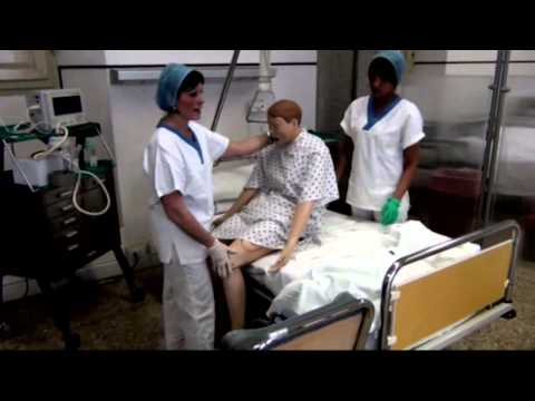 Forte scricchiolio delle articolazioni del ginocchio
