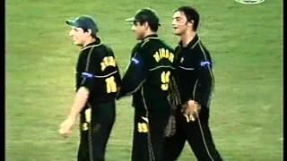 Pakistan embarrass Australia 2nd ODI highlights 2002 Challenge Series DOCKLANDS