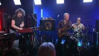 The Zombies feat. Colin Blunstone & Rod Argent - Hold Your Head Up