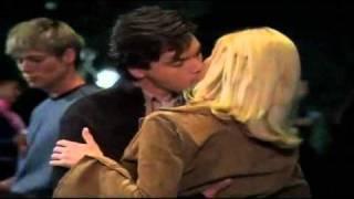 The girl next door - movie kiss