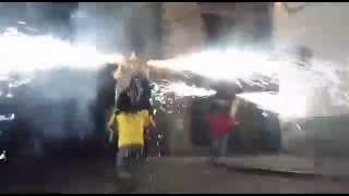 preview picture of video 'Los 'Toros de Fuego' en las Fiestas de Biescas 2014'