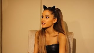 Ariana Grande Talks Anxiety and Pre-VMA Stage Fright