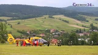 Grybów24.pl - Wypadek przy belowaniu siana w Gródku. Transport rannego śmigłowcem LPR  Sanok