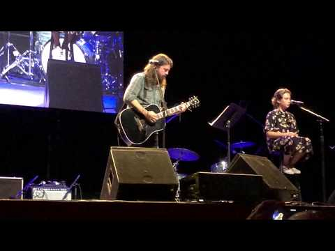 Dave Grohl Daughter Steals The Show With Adele Cover Rock Feed