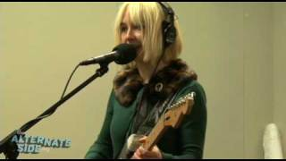 """The Joy Formidable - """"The Magnifying Glass"""" (Live at WFUV)"""