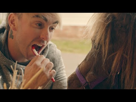 All Time Low: Sleeping In [OFFICIAL VIDEO]
