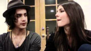 Виктория Джастис, Victoria Justice & Avan Jogia Laugh... A lot.