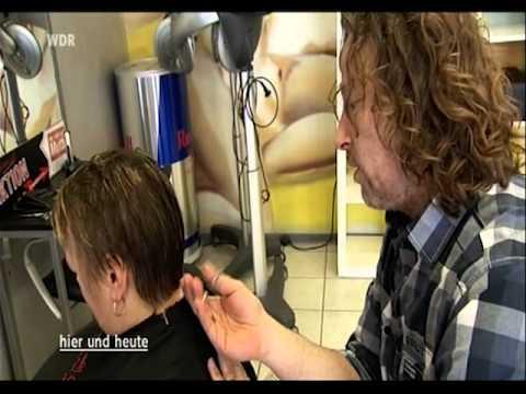 Die festigenden Masken für das Haar gegen den Vorfall mit der Zwiebel