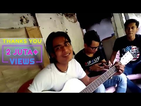 Charly Feat Aris Idol - Istana Bintang (Acoustic) Mp3