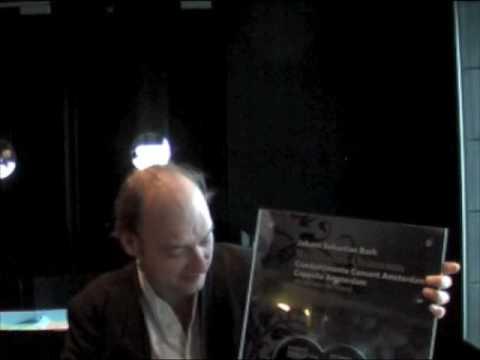 play video:Jan Willem De Vriend gets Golden Record
