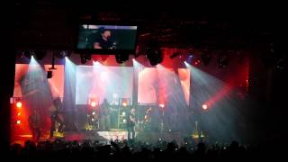 Josh Turner - Opening intro & Punching Bag, Live from New York City July 12 2012