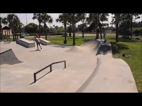 Ladies in Lawnwood Skatepark