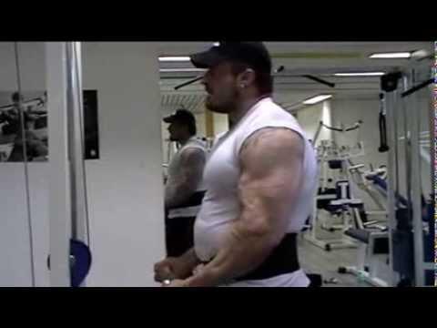 Comme faire les muscles il est plus petit sur les pieds