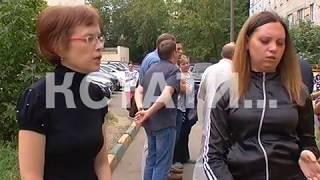 Пенсионерки-дебоширки выплеснули ведро с супом на главу администрации и журналистов